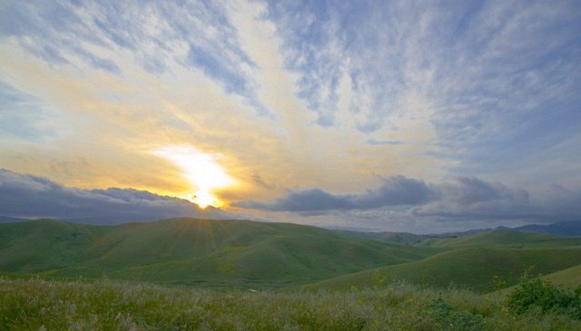 Sunset at Hidden Valley by Lee Greengrass